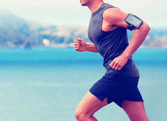 chạy bộ là các bài tập lý tưởng giúp tăng sức mạnh đầu gối