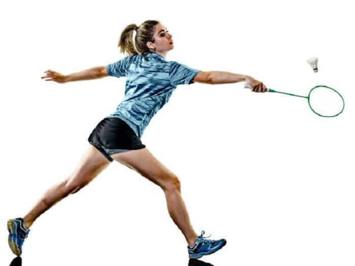 Cầu lông là môn thể thao khá dễ chơi phù hợp mọi lứa tuổi